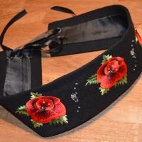 Embroidered belt with pearls